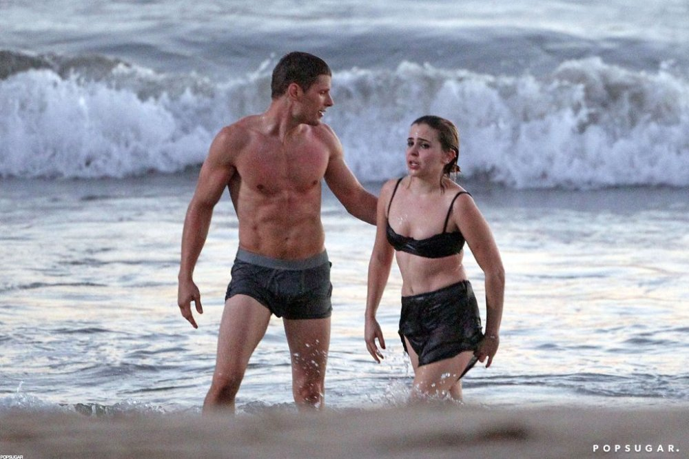 Mae-Whitman-Films-Parenthood-Beach-Pictures